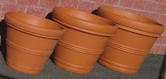 Tusco Outdoor Plastic Pottery in Terracotta